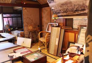 二階、三津浜資料館